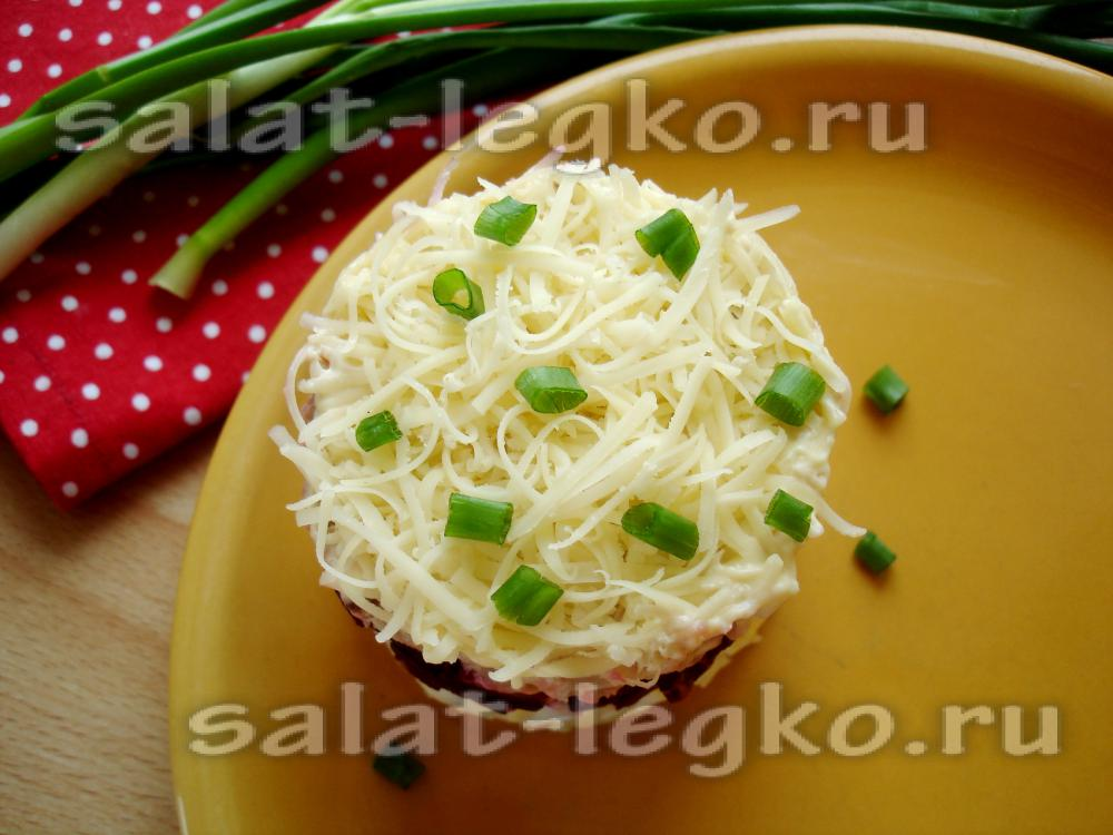 Салат из свеклы и куриного филе
