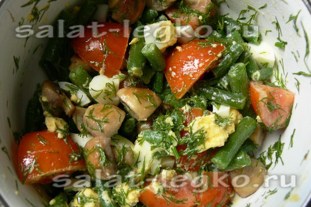 Салат с кальмаром, огурцом и яйцом, рецепт с фото