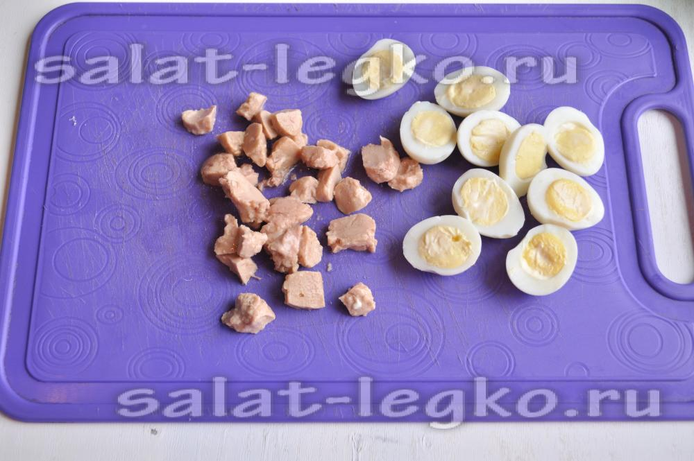 салат с печенью трески с яйцом и огурцом рецепт