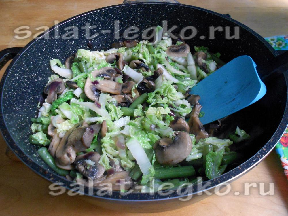 Салат с пекинской капустой крабовыми палочками фасолью