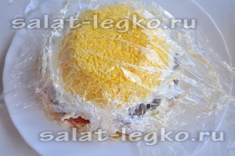 салат каприз с курицей и ананасом рецепт