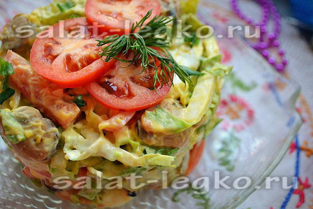Салат с отварными мидиями рецепт