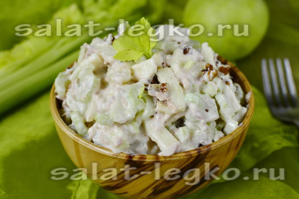 рецепт салата с тунцом и свежим огурцом и яйцом