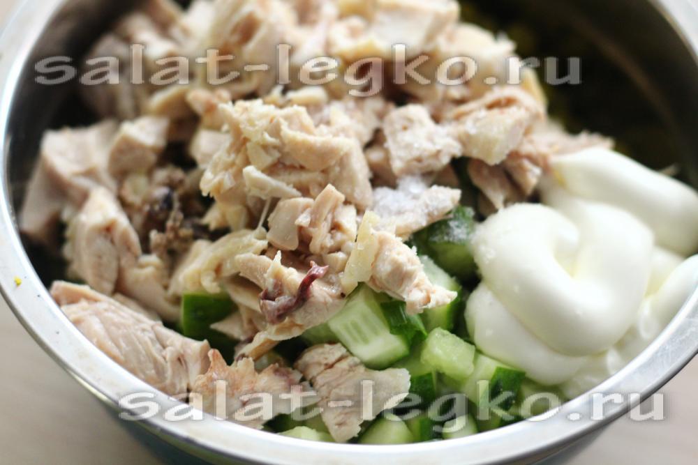салат столичный рецепт с курицей и огурцом
