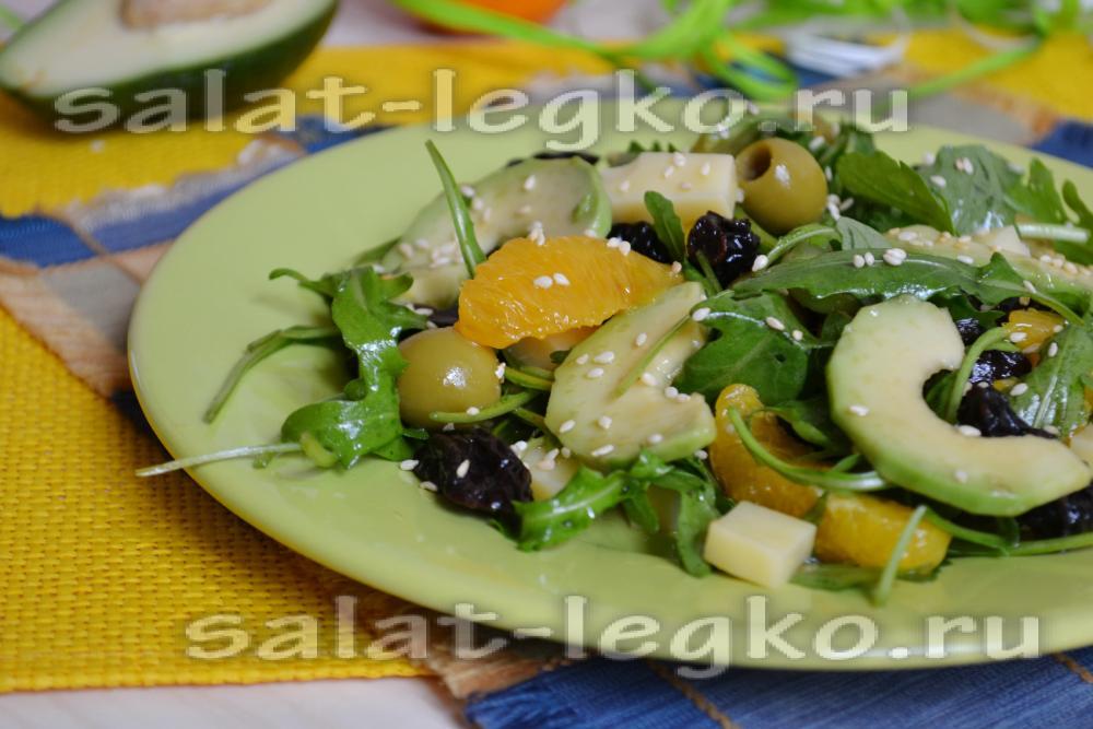 салат с авокадо, крабовыми палочками, апельсином гранатом рецепты