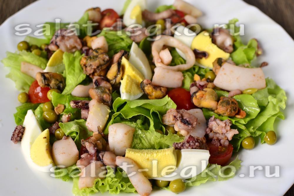 салат с морским коктейлем рецепт и крабовыми палочками и
