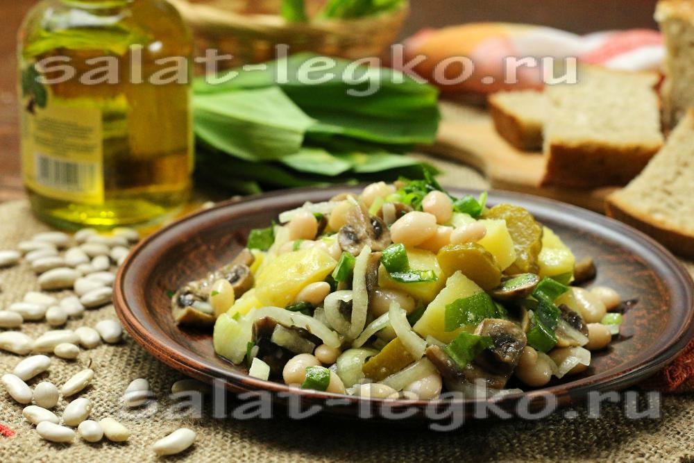 Салат с картофелем и грибами в