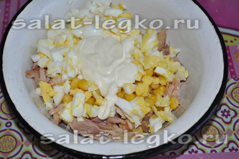 салат с копченой курицей и кукурузой рецепт с фото пошагово