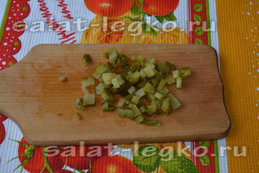 108Рецепт ушки с колбасой и огурцами