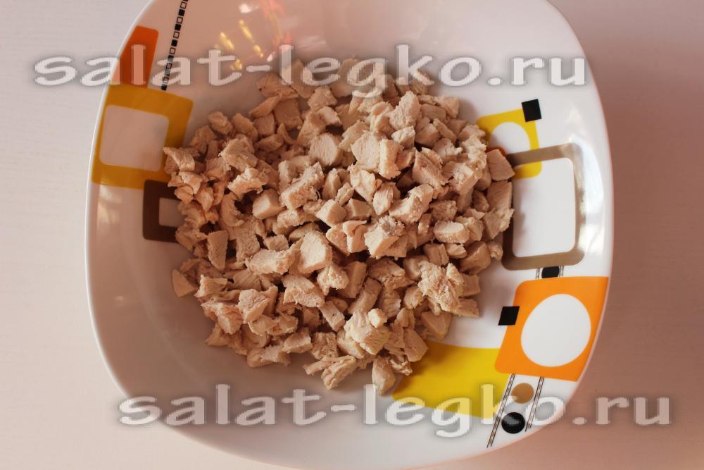 Салат с ананасами и куриной грудкой слоями  Рецепты с фото