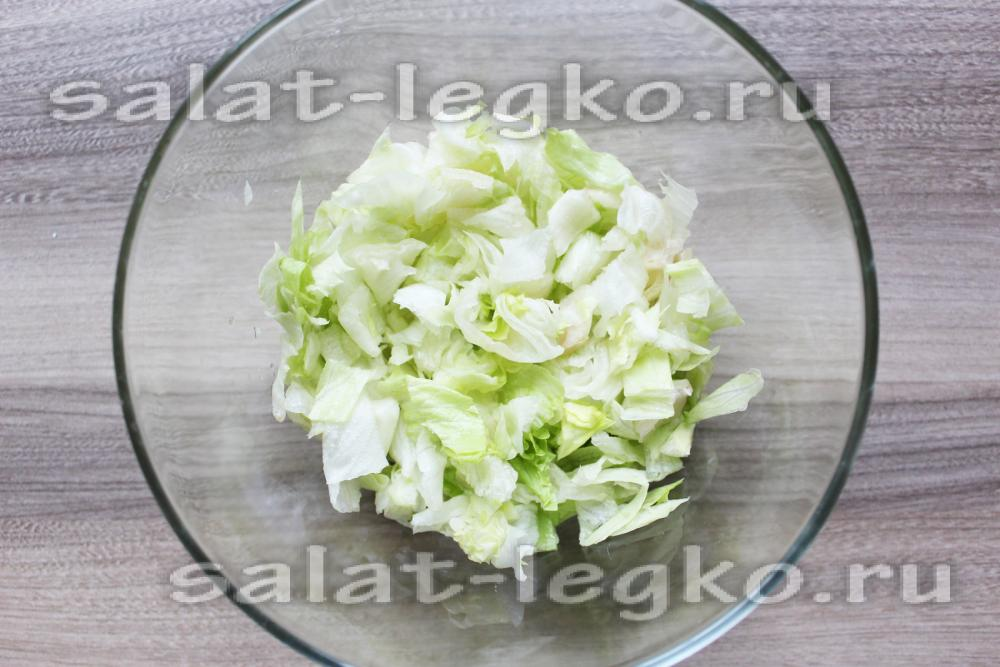 салат айсберг рецепт с копченой курицей