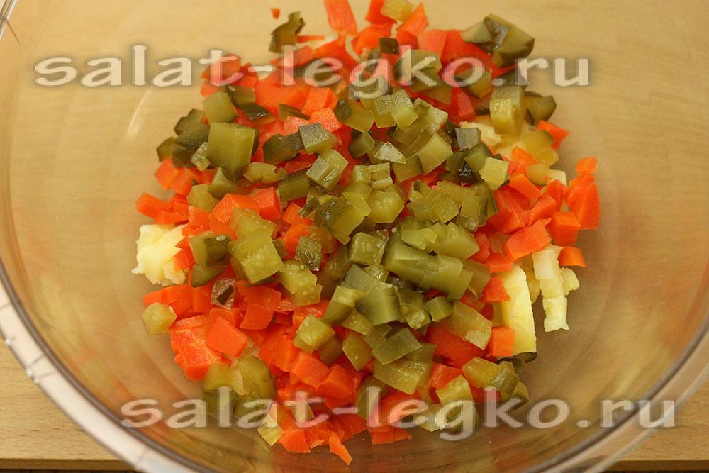 Фото салат-оливье с курицей с грибами