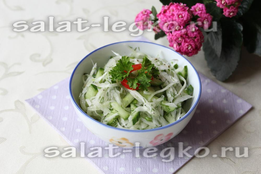 рецепт летнего салата с капустой и огурцом