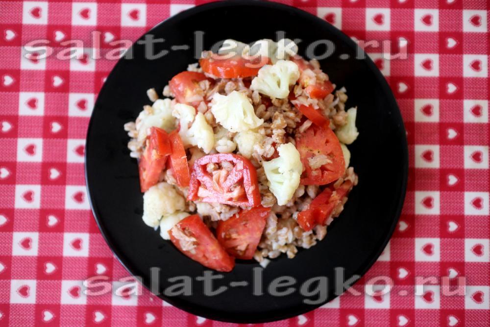 салат с рыбой и цветной капустой
