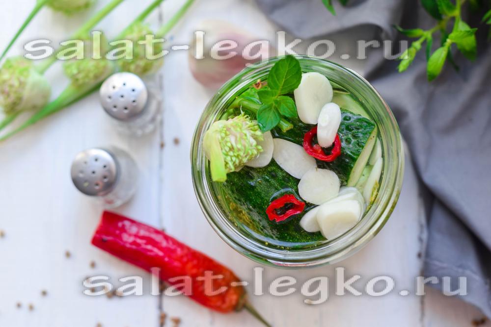 Салат из огурцов чеснока