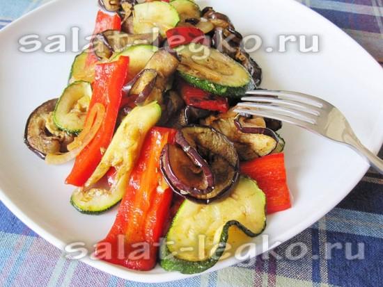 Теплый салат гриль в домашних условиях