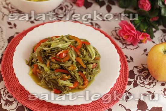 Салат из папоротника, огурца и сладкого перца