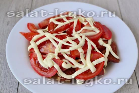 слой из ломтиков томата