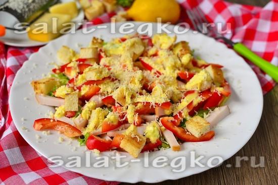 салат цезарь из курицы с сухариками рецепт фото