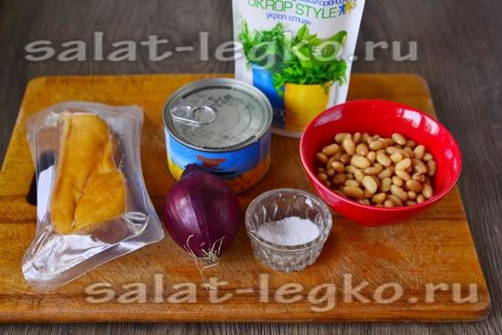 Ингредиенты для приготовления салата с фасолью и ананасом