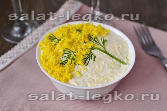 Салат мимоза с горбушей и картошкой