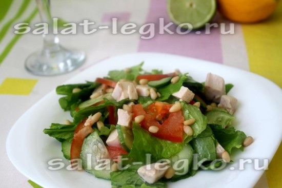 Салат с курицей и кедровыми орешками - рецепт с фото