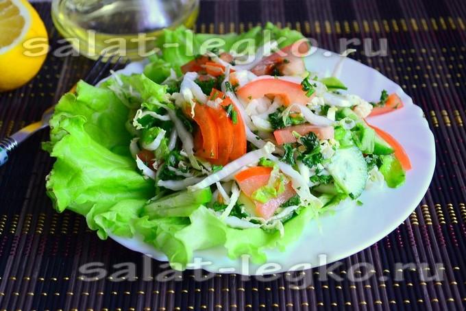 салат с пекинской капустой с помидорами и огурцами