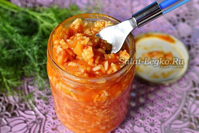 Салат консервированный из помидоров с рисом