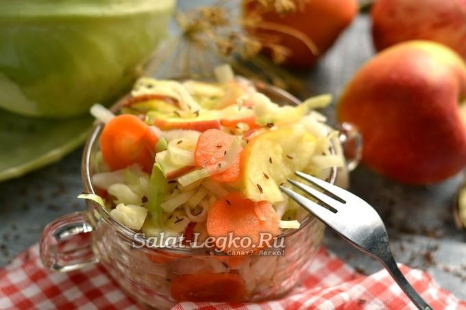 Рецепт квашеной капусты домашней очень вкусной с яблоками