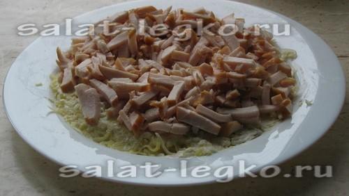 салат выкладываем слоями