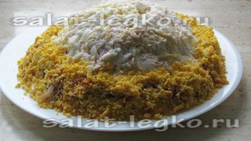 приготовление салата Шапка Мономаха