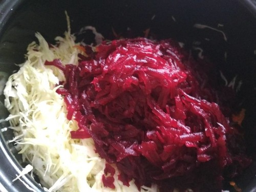 Салат из свежей капусты, свеклы и моркови: рецепт с фото (очень вкусный)