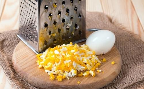 яйца на терке