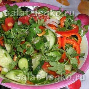 Салат с огурцами и болгарским перцем