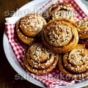 Мягкие и хрустящие румяные булочки