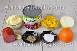 Ингредиенты для приготовления салата с колбасой