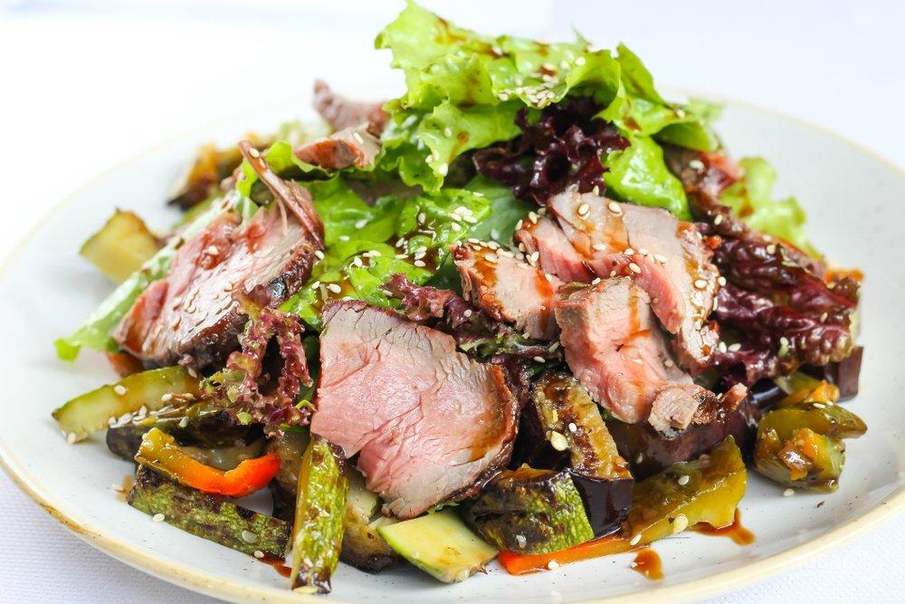 Рецепты салатов из мяса с картинками