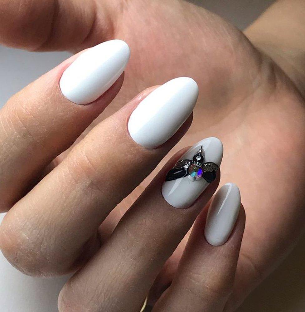 Белые ногти фото 2020
