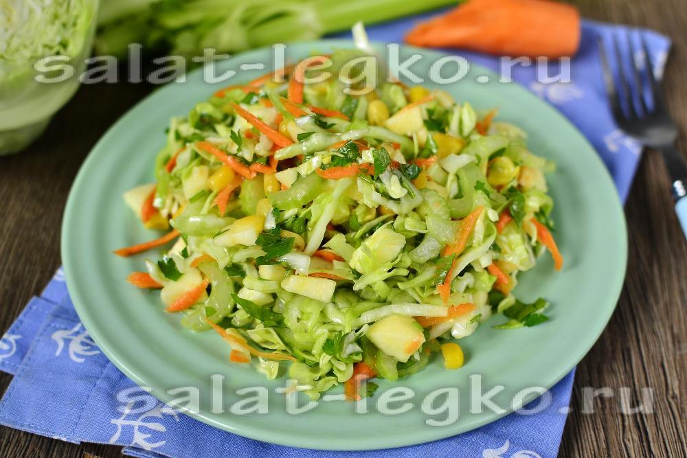 Салат из стебля сельдерея с огурцом капустой и яйцом