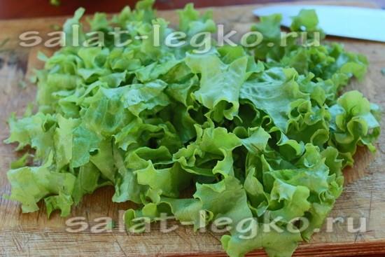 Измельчаем салат