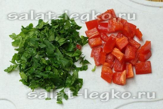 зелень и перец нарезать
