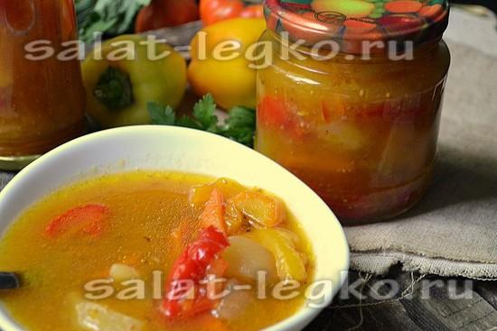 Салат из перца и патиссона с алычой и горчицей.