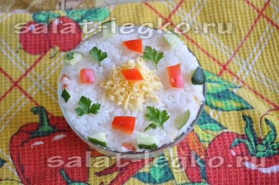 украсим салат зеленью