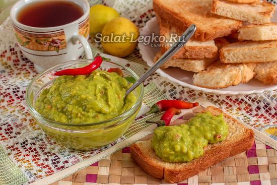 паста из авокадо для бутербродов