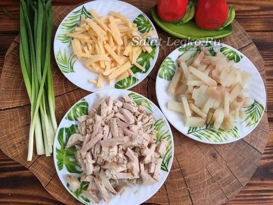 нарезать сыр, курицу и картофель