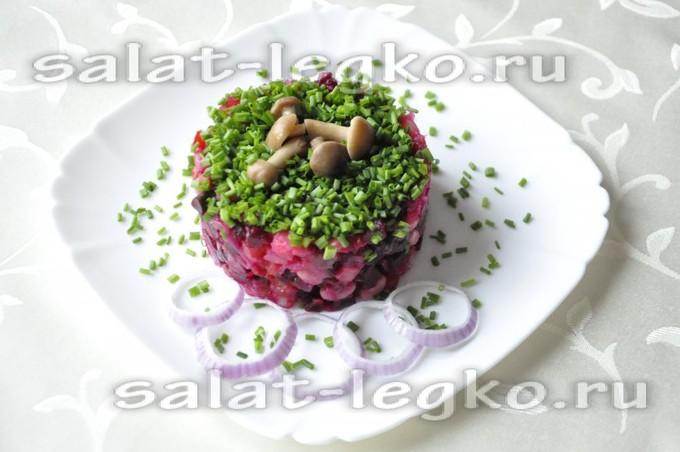 Винегрет с грибами, фасолью и квашеной капустой