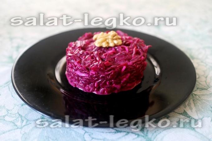 Салат из свеклы с яйцом под майонезом