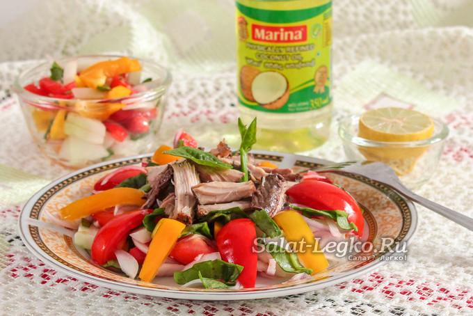 Легкий салат с консервированным тунцом без майонеза