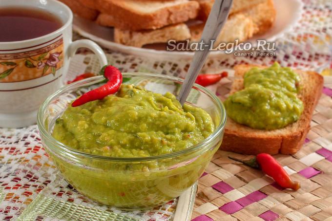Паста из авокадо для бутербродов на завтрак
