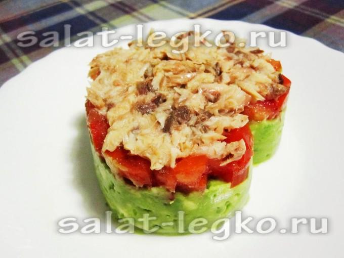 Салат из авокадо слоеный